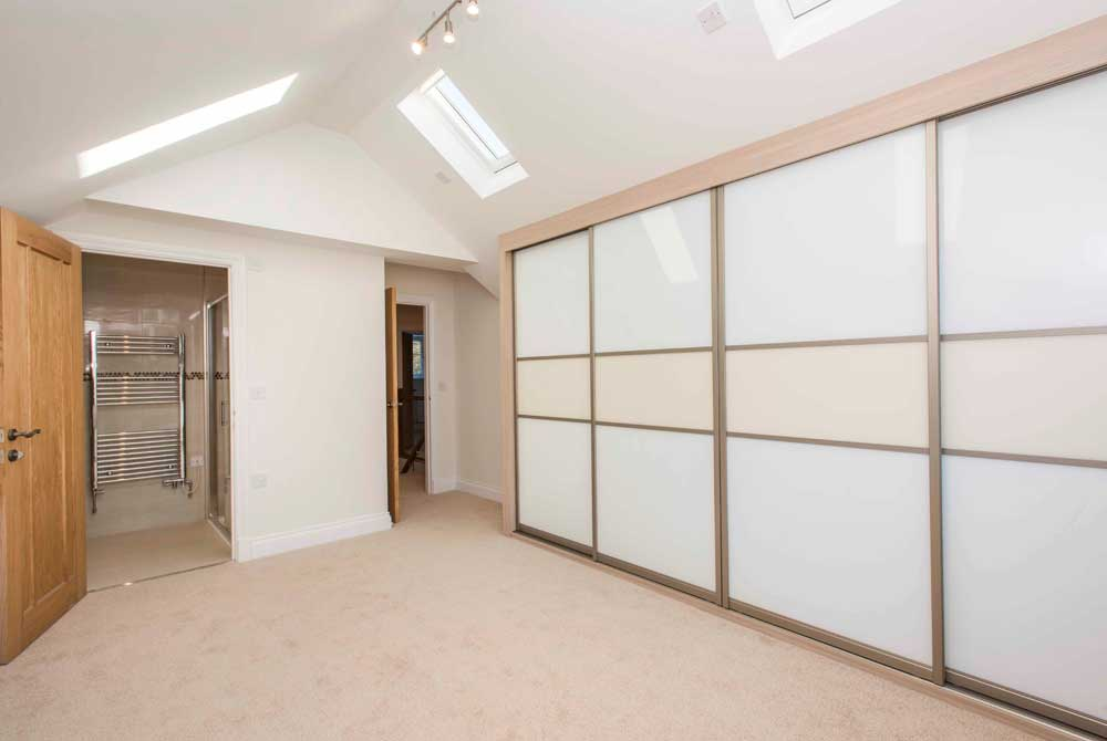 New home fitted wardrobes